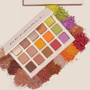 🖤Kylie Cosmetics x Kendall Eyeshadow Palette🖤